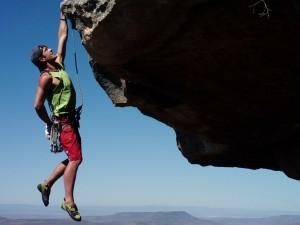 nature rock climbing 1600x1200 wallpaper_wallpaperbeautiful_75